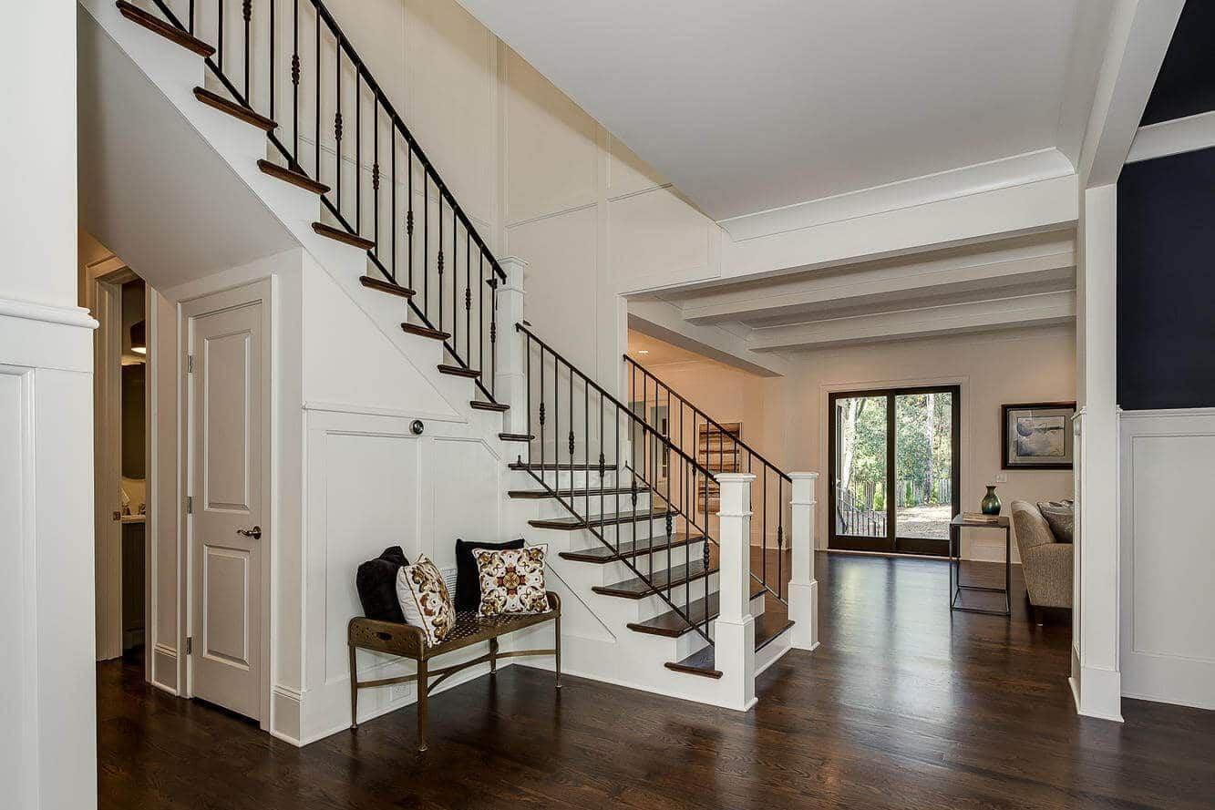 407 Wonderwood Stairway